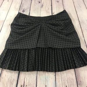 Diane Von Furstenberg Pleated  Black Skirt Size 6